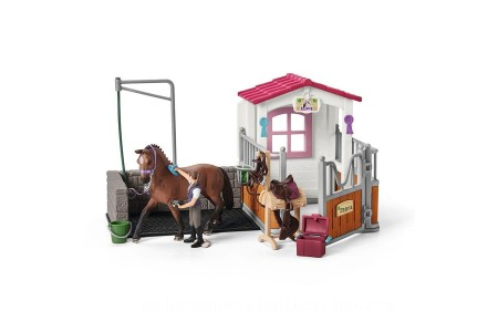 Schleich Wash Area with Horse Stall Toys Canada 2021 [Sale]